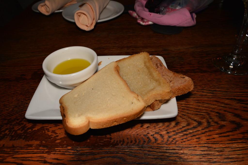 Tutto Gusto Gluten Free Bread Plate