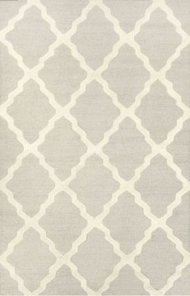Beautiful rug that's a perfect addition to a big girl room!
