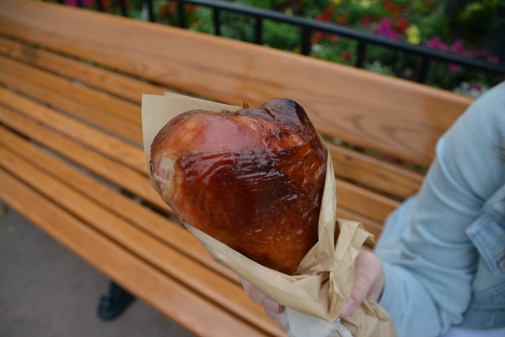 A turkey leg lunch in America while Dan enjoyed some food stand treats!