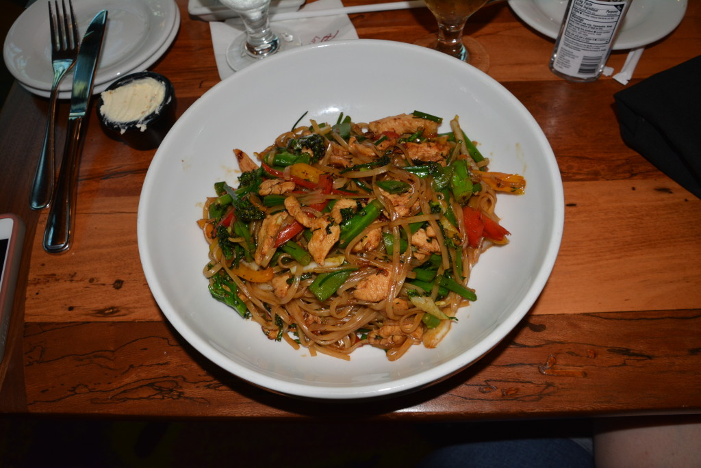 Kona Cafe Gluten Free Chicken And Noodle Dish